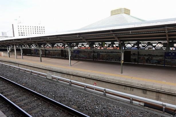 【写真を見る】会場となるJR両国駅の3番線ホーム