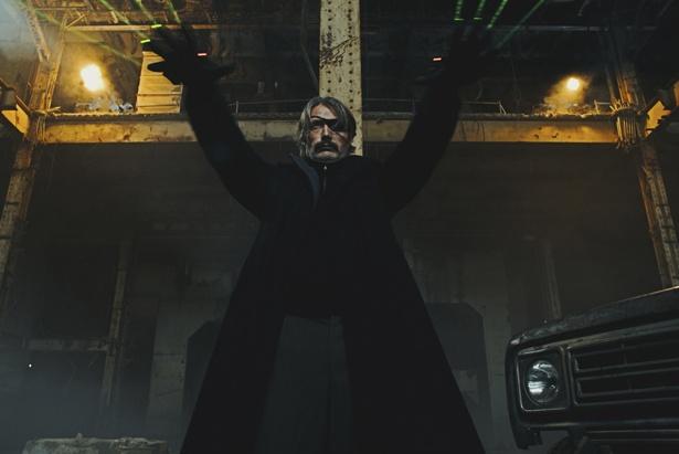 【写真を見る】マッツ・ミケルセン主演のサスペンスアクション『ポーラー 狙われた暗殺者』