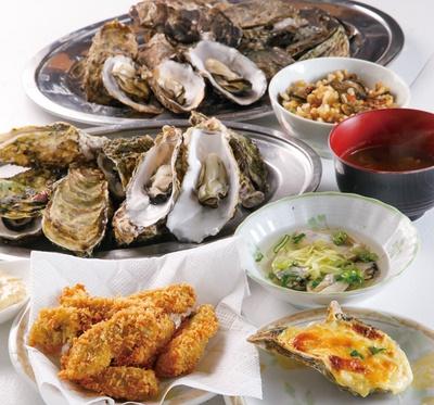 酢ガキ、カキグラタンやカキフライなど、サイドメニューも豪華な品ぞろえ!/浜英水産