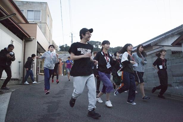 毎日の日課である早朝マラソンにはWACK代表の渡辺淳之介も参加