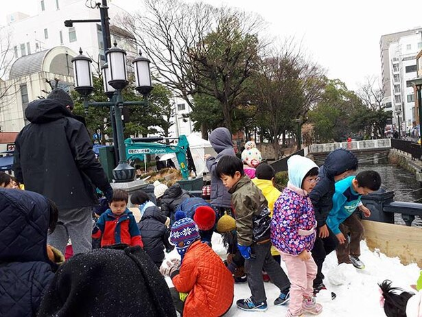 注目の雪遊びゾーン。かまくらが登場予定!