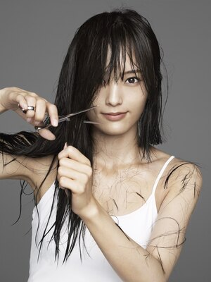 髪を約30cm切り、イメージを一新させた山本彩さん