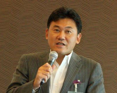 新サービスの提供に伴い、楽天社長の三木谷浩史氏が記者会見を開催