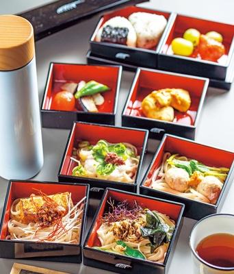 うどん弁当(1800円・11時30分~数量限定・なくなり次第終了)/UDON MAIN
