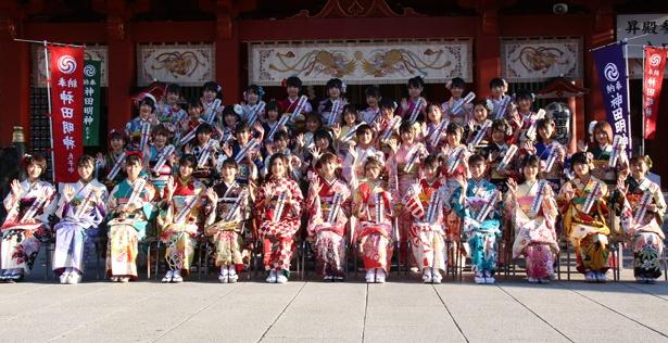 「AKB48グループ2019年新成人メンバー成人式記念撮影会」が神田明神で行われた