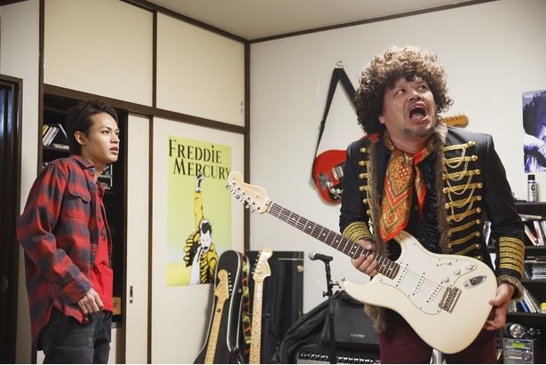 上田竜也主演コメディー「節約ロック」でロックの神様役・くっきーが大暴れ!?