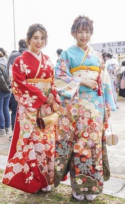 北九州市の成人式で見つけた振袖美人 あやかさん みゆなさん