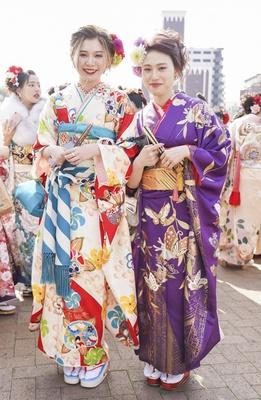 北九州市の成人式で見つけた振袖美人 さきえさん りんかさん