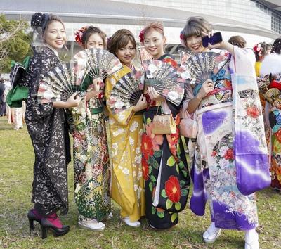 北九州市の成人式で見つけた振袖美人 ほのかさん ゆりあさん ゆいなさん ゆきさん まおさん