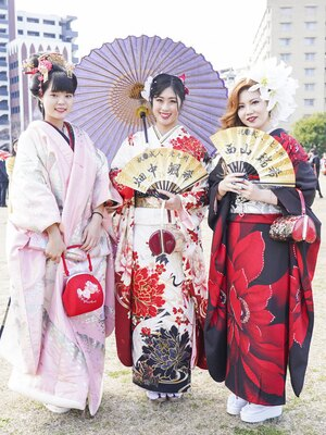 北九州市の成人式で見つけた振袖美人 まひろさん さつきさん みずきさん