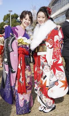 北九州市の成人式で見つけた振袖美人 ゆいさん わかなさん