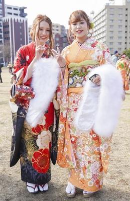 北九州市の成人式で見つけた振袖美人 えいかさん はるなさん