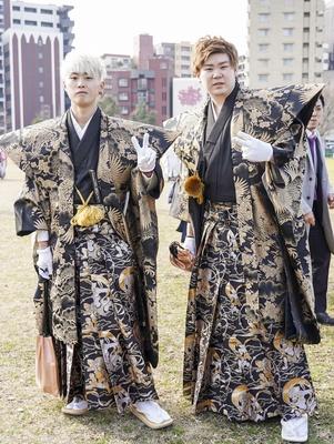 黒の袴が似合っていた ユウキさんとケイゴさん