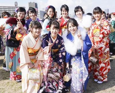 北九州市の成人式で見つけた振袖美人 黒崎中学校同級生のみなさん