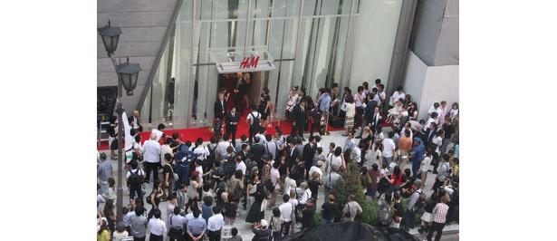 2008年10月に日本第1号店として誕生した銀座店には、オープン時には約5000人が詰め掛けた