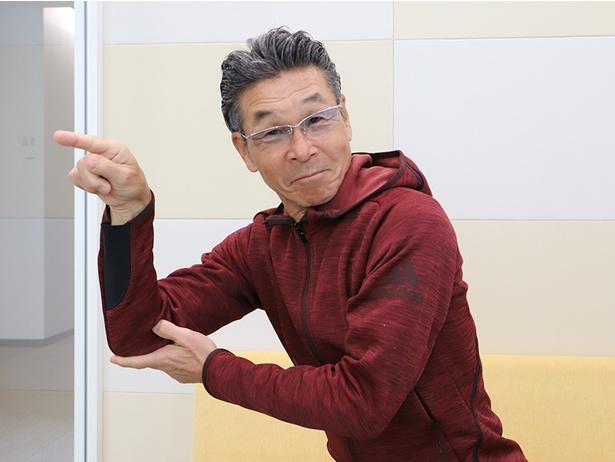 インタビュー後に寛平さんが「血吸ったろか」のポーズも