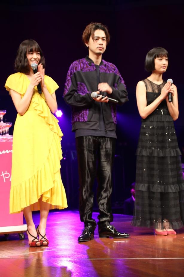 【写真を見る】門脇麦や吉田志織がドレスアップして登壇