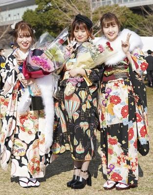 北九州市の成人式で見つけた振袖美人 さあやさん ももかさん みさとさん