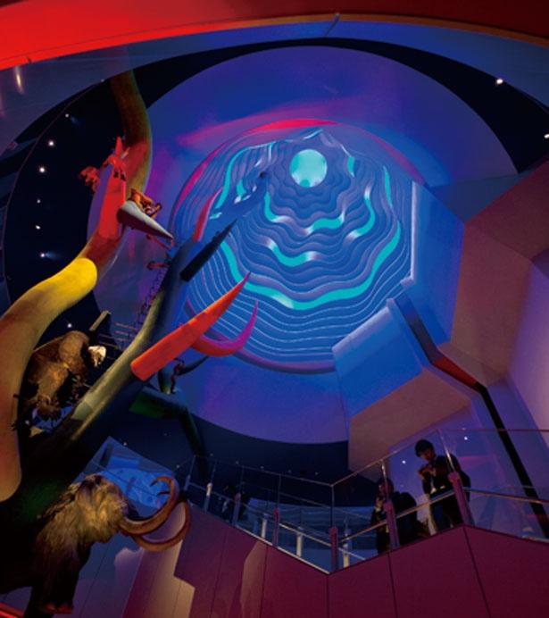 最上部「太陽の空間」は無限の天空を表現している/太陽の塔