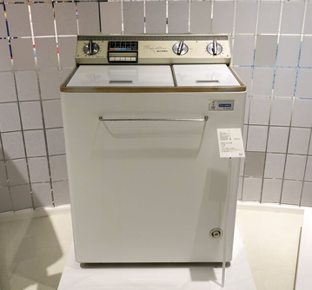 自動脱水洗濯機うず潮(1966年発売)/パナソニックミュージアム