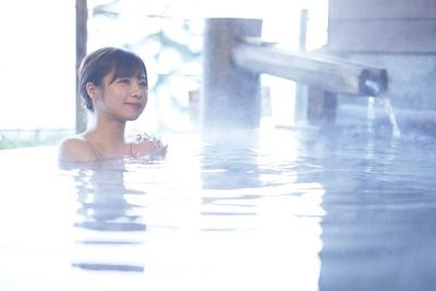焼津グランドホテル 海のお風呂。露天風呂は天然温泉「やいづ黒潮温泉」