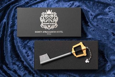 【写真を見る】「キングダム ハーツ」スペシャルルームキー&オリジナルのボックス