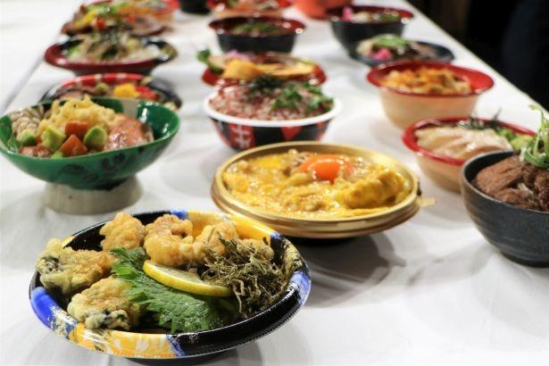 毎年大人気の企画「全国ご当地どんぶり選手権」には、計18丼が集結する