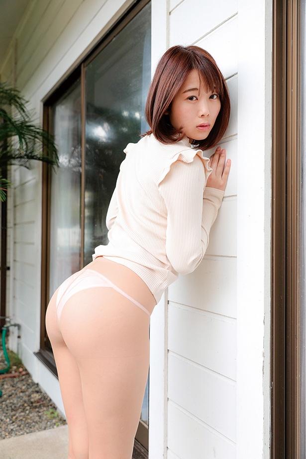 潮田ひかるDVD「もっと欲しい!!!」(スパイスビジュアル)より