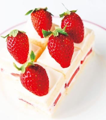 軽やかで口溶けのいい、苺ショートケーキ/セント レジス ホテル 大阪「フレンチビストロ ル ドール」