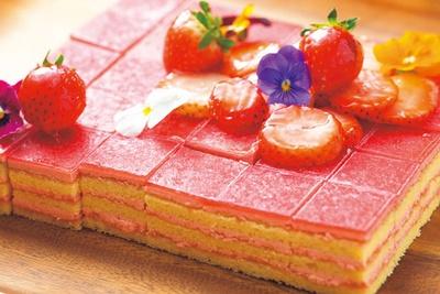 見た目も華やかな、ベリーベリーオペラ/インターコンチネンタルホテル大阪「NOKA Roast & Grill」