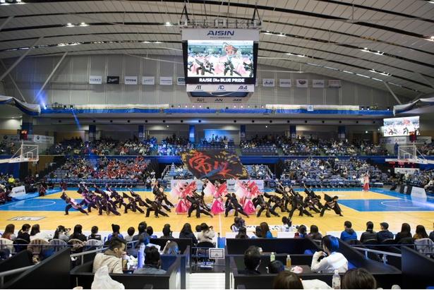 昨年、愛知学院の学生がプロデュースした試合の模様。よさこいサークルによる演舞は迫力満点だった!