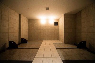 【写真を見る】別料金で楽しめる岩盤浴(女性ゾーンのみ)