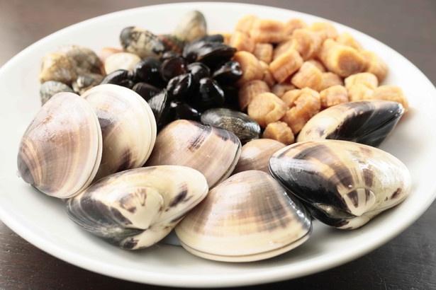 種類豊富な貝を使うことで実現した贅沢な味わい。ぜひ会場で確かめよう!
