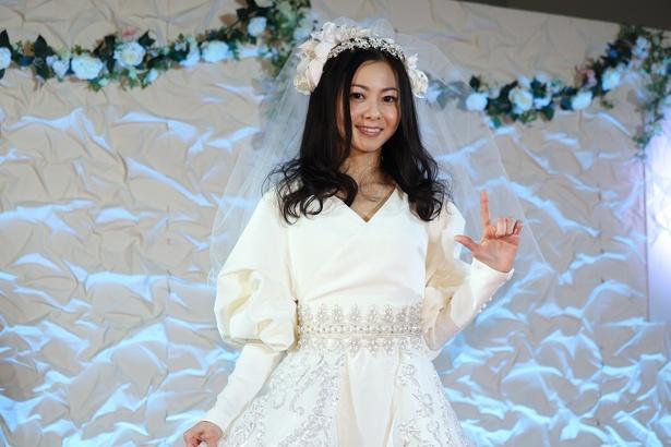 「倉木麻衣 ドレス」の画像検索結果