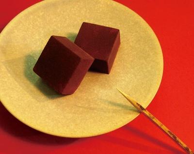 三原豆腐店 / 「豆腐生チョコBASIC」(9個1296円)(※要冷凍)、半分が豆腐!?豆乳風味の優しい甘さ