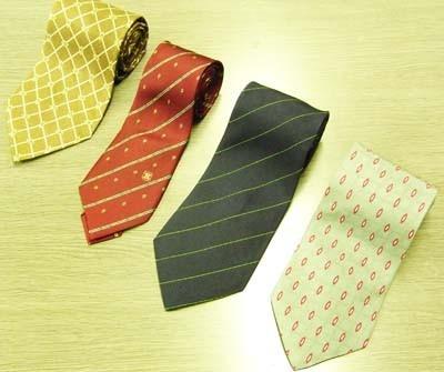 100円のネクタイ