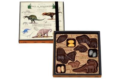 【写真を見る】迫力ある恐竜たちの詰め合わせセット「AGE OF DINOSAURS」(1,296円)