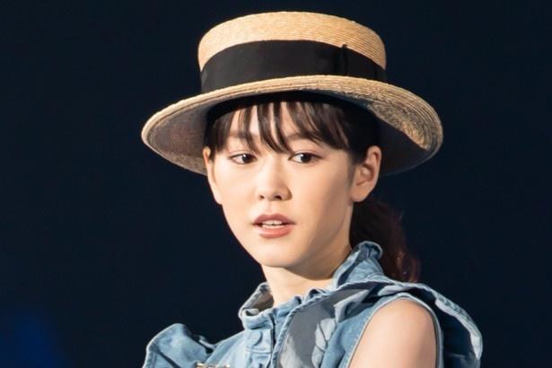 モデルモードの桐谷美玲