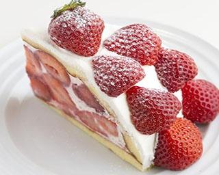 「果樹園リーベル 横浜ランドマークプラザ店」の「あまおうのズコット」(1,404円)。生クリームはタイプの違う4種類を合わせ、あまおうの甘さを際立たせている