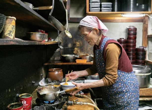 東京庵 /「昔ながらの羽釜で炊いとるとよ」