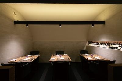 店の奥にテーブル席もあり、個室としての利用もできる