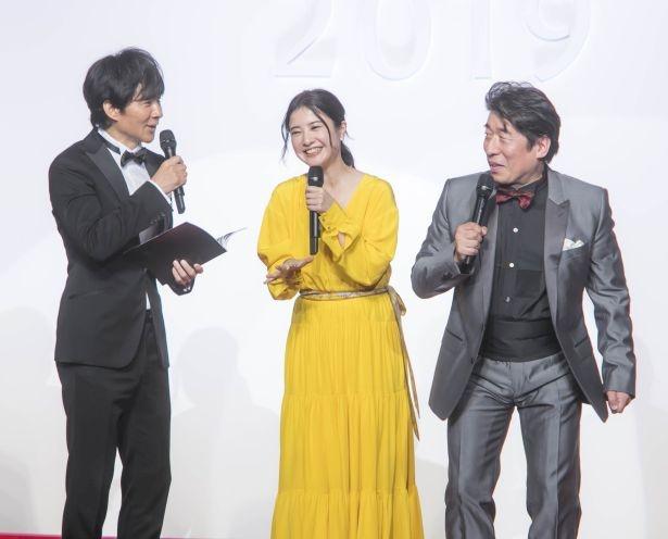 芸能界屈指の食通である渡部建と寺門ジモン、「食べログ」イメージキャラクターの吉高由里子が登壇した