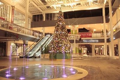 「三井アウトレットパーク 入間」は今年が初クリスマス!