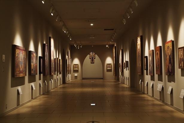 【写真を見る】システィーナ・ホールと同じ地下3階の中世展示