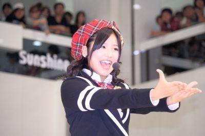 キラキラの瞳が魅力的な仲川遥香さん