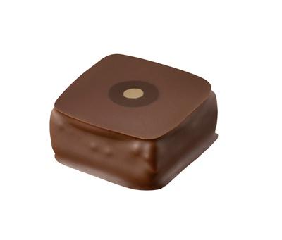 ベトナム産カカオのチョコレートをピスタチオと混ぜ合わせたプラリネに、ピスタチオのガナッシュを重ねた「ピスターシュ」