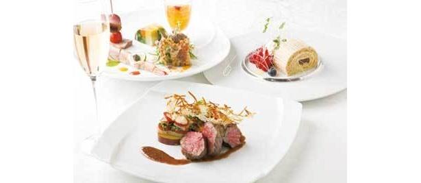 クルーズ・クルーズ:「Xmas Dinner」(要予約、1人前¥12,000)