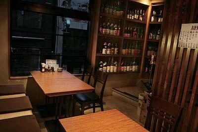 「地水旬魚菜 ふじとはち 銀座店」の店内。B1~4Fまで、雰囲気の異なる4つのフロアが広がる