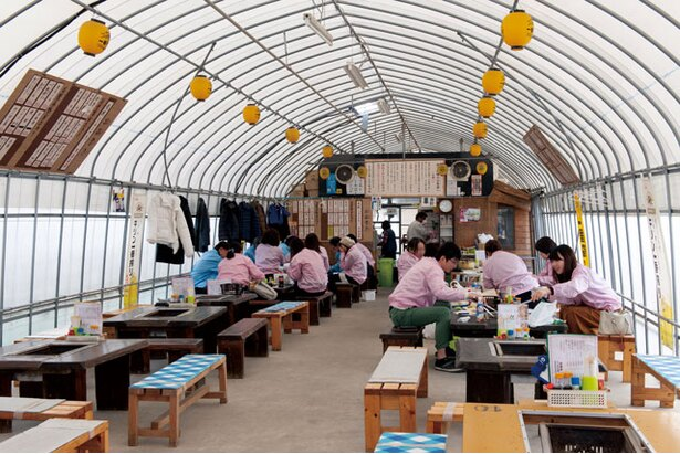 弘進丸こうちゃん / 岐志漁港のブランドカキ「森のめぐみ」が堪能できる一軒