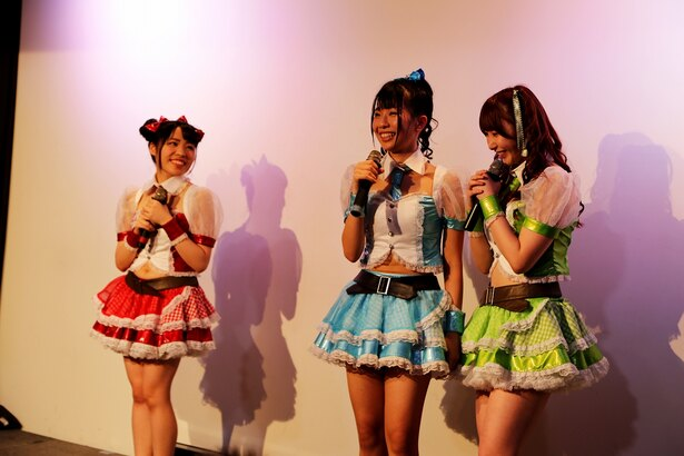 「マシュマロ3d+」リーダーの阿部乃みく卒業公演の模様